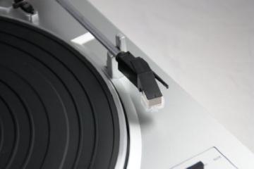 Dual DT 200 USB Schallplattenspieler (3 Watt, 50Hz, USB 2.0) silber - 2